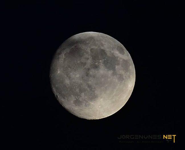 O tamanho da Lua no Horizonte